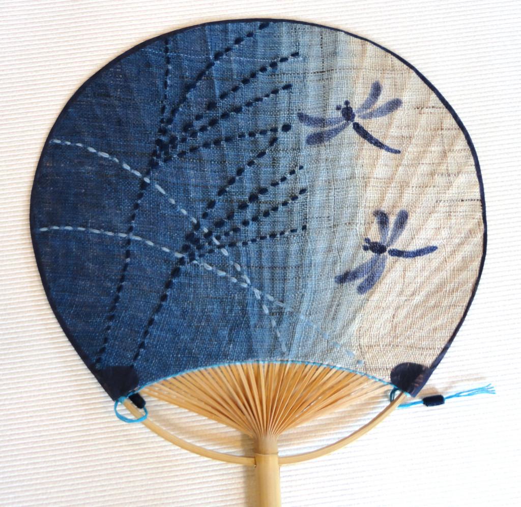 刺子うちわ(1296円)(税込)